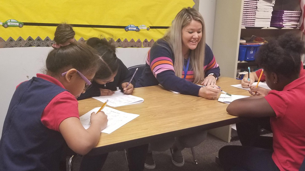 Vista Teacher Uses Good News and Competitions to Engage Students