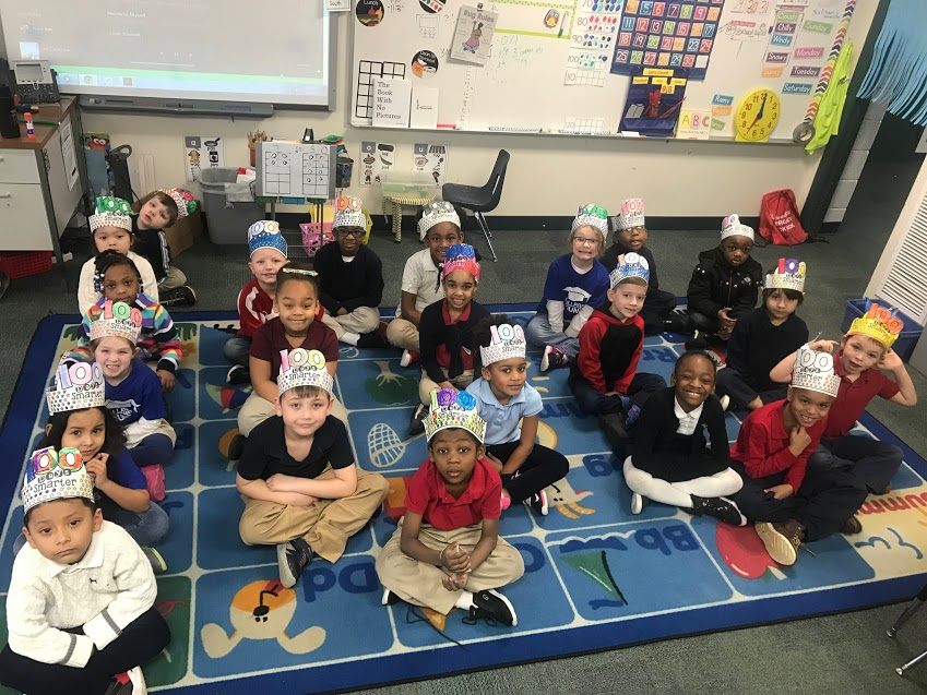 students wearing 100th day crowns